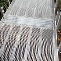 aluminum-mesh-ramp