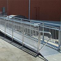 entrada access ramp